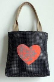Zwarte polkadots Schouder tas met Neon oranje hart. | Tassen/Bags | Made by Nanna