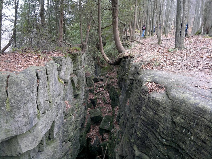 Kelso Conservation Area- Milton, Ontario- crevices and fissures