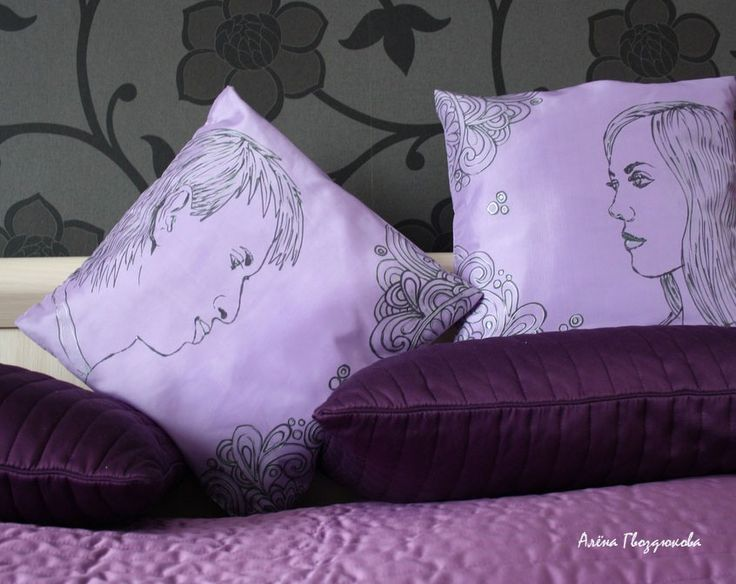 A pillows with a portraits