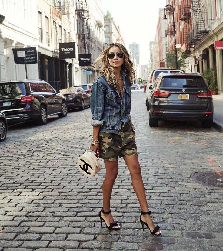 "80.9 mil Me gusta, 781 comentarios - JULIE SARIÑANA (@sincerelyjules) en Instagram: ""Soho streetsyle snap. ❤️"""