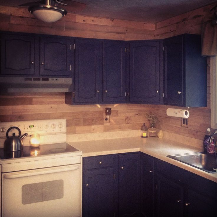 Pallet backsplash