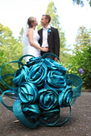 Vibrant turquoise blue flax flowers by Artiflax - home of the perfect flax flower <3