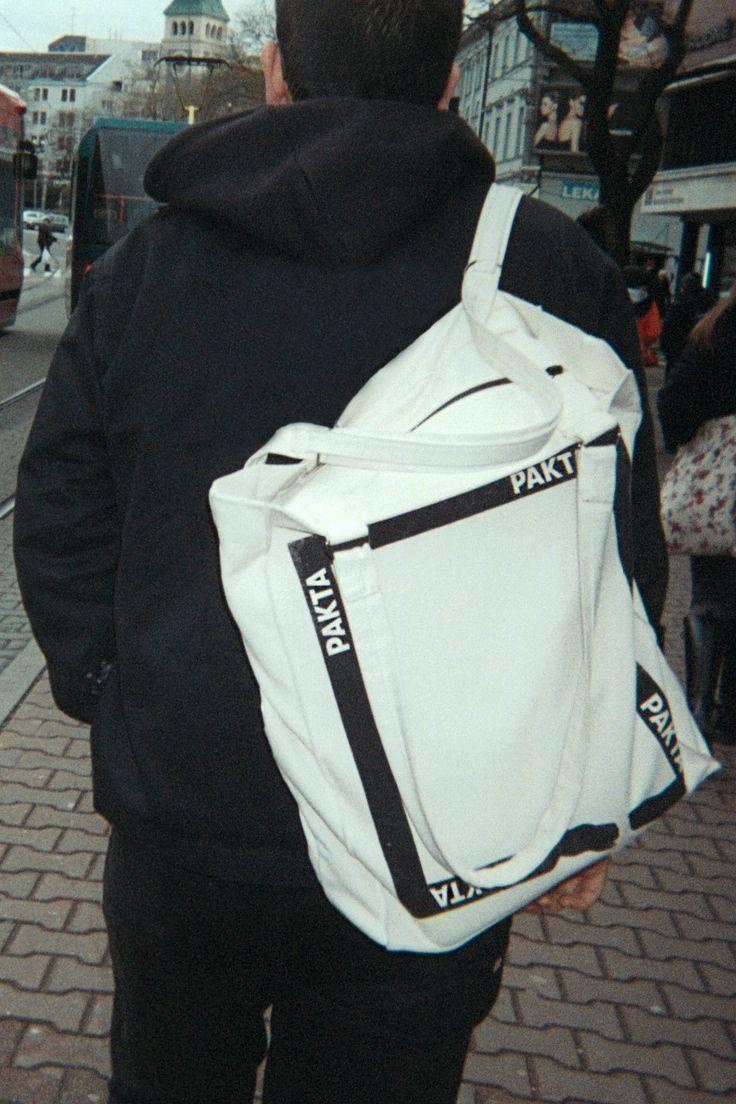 'TAŠKA' - a spacious shopper you can wear on the shoulder or as a backpack.   #paktastudio #taška #shopper #handmade #35mm