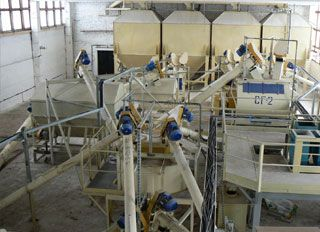 Russian compound feed production slows down on high grain prices - http://www.feedmachinery.com/news/europe/russian-compound-feed-production-slows-down-on-high-grain-prices-4821/