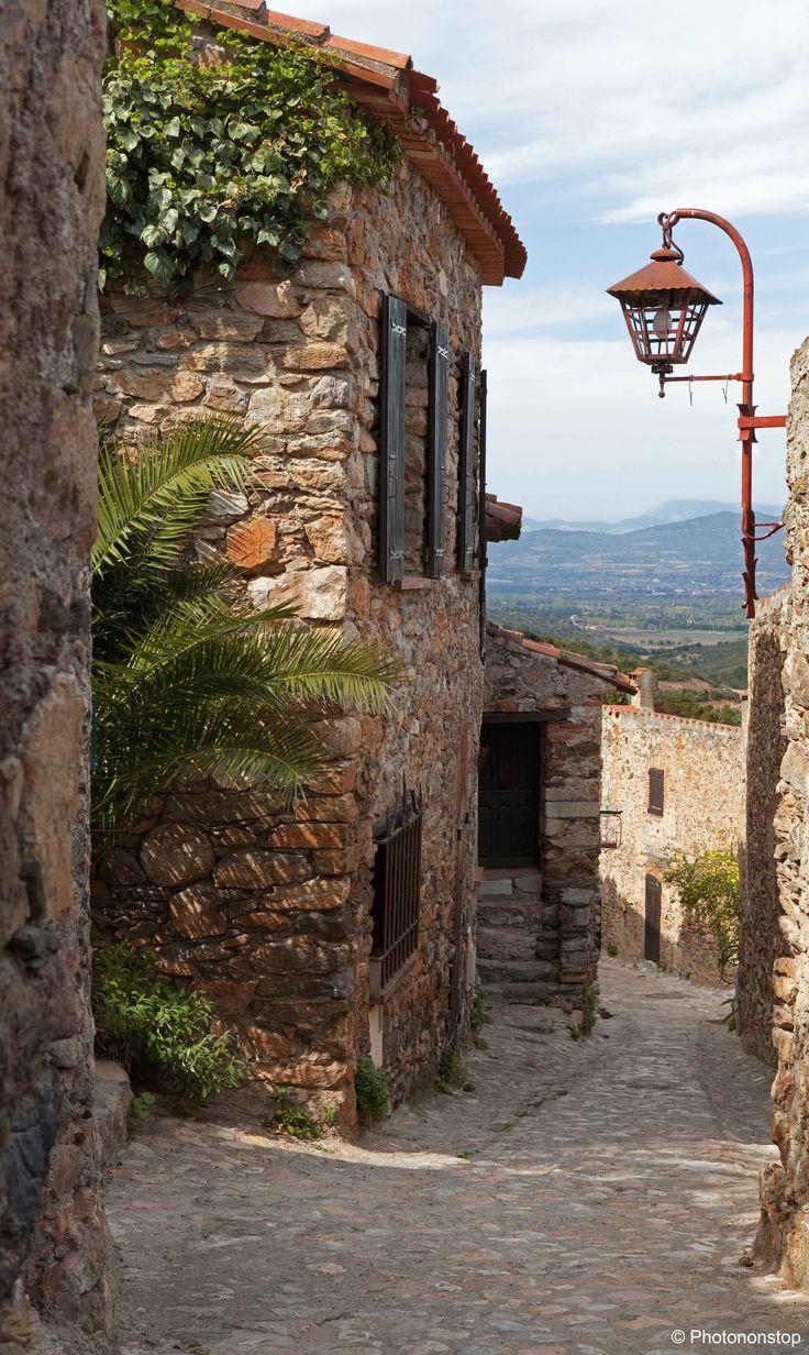 Village de Castelnou, Pyrénées Orientales