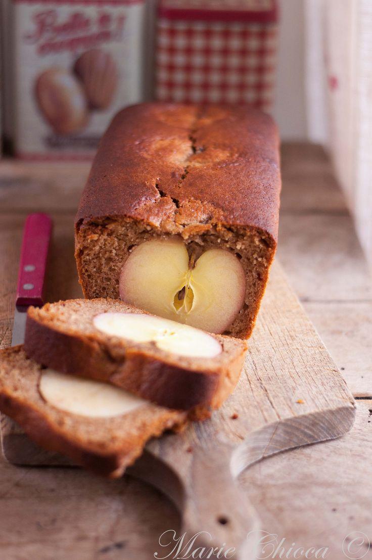 Un pain d'épices aux 3 pommes. (http://www.saines-gourmandises.fr/2016/10/03/une-recette-pour-les-loulous/#more-8094)