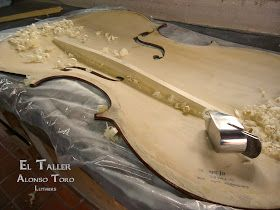 Manuel Toro Luthier: Cambio de cadena y proyección