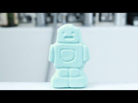 Lush Cosmetics : Ickle Baby Bot Bath Bomb Demo - YouTube