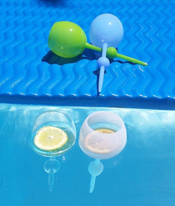 Le verre indispensable pour cet été : il se plante dans le sable ou flotte sur l'eau ! Pratique :) - Pigsou Mag