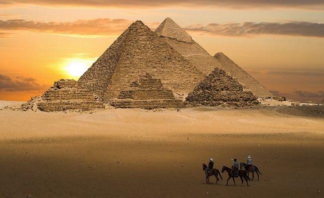 Всадники в пустыне