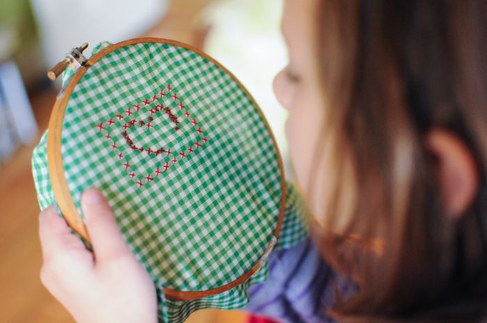 I love Soulemama...I really love the ideas pictured here that show how children can learn how to stitch! Gingham?  Yes!  Corner to corner!  Genius!