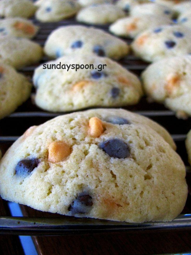 Santa's cookies / Τα μπισκότα του Άγιου Βασίλη (με σοκολάτα γάλακτος και καραμέλα) • sundayspoon