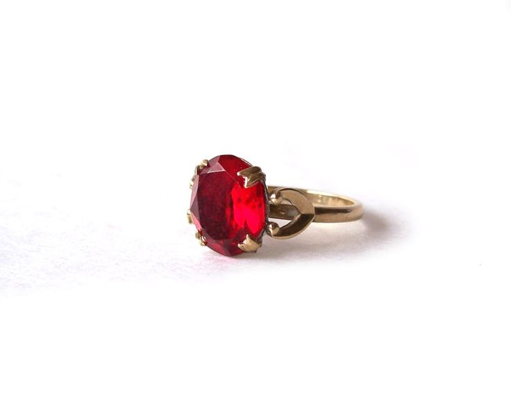 Vintage 10 k Gold Filled GF Simulated Red Ruby Glass Ring • Unique 1950s styling • Size 8 by MargsMostlyVintage on Etsy
