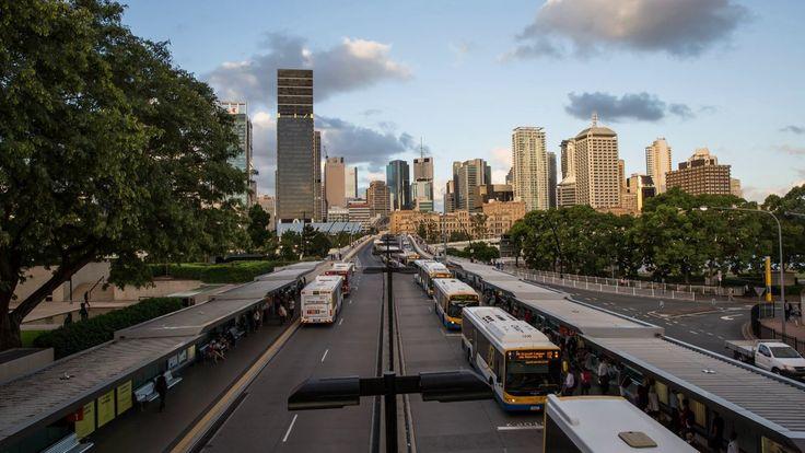 Brisbane transit sunset timelapse comprising of 622 photos taken over a 2hr period #timelapse #brisbane #australia #brisbane #queensland #commute #sunset #traffic