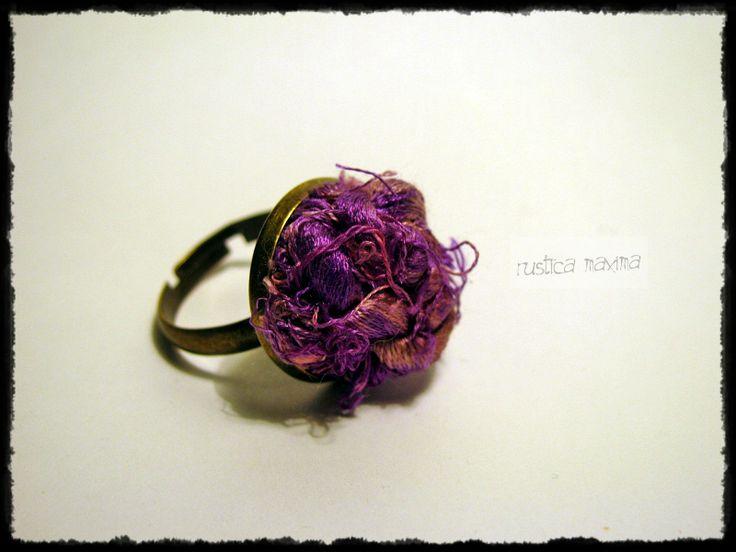 OOAK sari silk-knot ring - purple https://www.facebook.com/rusticamaxima