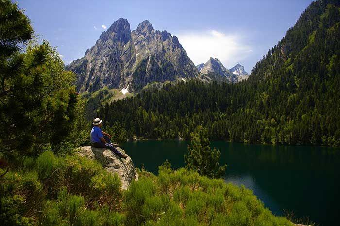 els encantats en el Parque Nacional de Aigüestortes i Estany de Sant Maurici en el Pirineo de Cataluña © Agència Catalana de Turisme / Lluis Carro