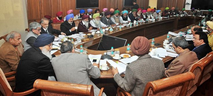 The representatives of 12 farmers and farm labour unions at Punjab Bhawan. Crucial matters related to agriculture in the state were discussed. #Shiromaniakalidal #Parkashsinghbadal #Farmers #Punjab #Bhawan