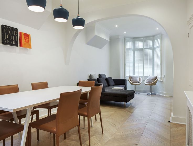 """The owners of this beautifully renovated London home preferred the ease of installation provided by a pre-finished product and chose Havwoods Oak Lana Chevron from our Italian Collection for its colouration. """"Purchasing from Havwoods was very straightforward. No fuss, straight to the point and no hidden surprises."""""""