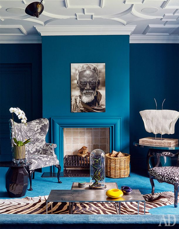 Blue interior decor, blue living room elegant chic classy interior, zebra pattern, animal patters interior, ethnic interior style
