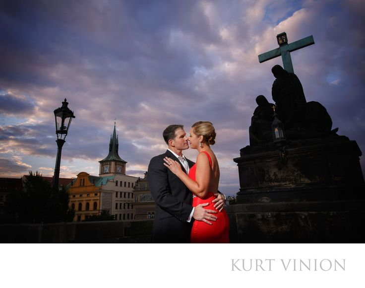 London wedding & Prague pre wedding photographer - L&G engagement portraits on the Charles Bridge: L&G romantic engagement portraits on the Charles Bridge. Keywords: Prague Engagement Photography (24).