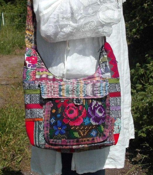 Schultertaschen - ♥ETHNIC ROSE♥Patch Hippie Tasche Festival Hobo Bag - ein Designerstück von santa-fee bei DaWanda