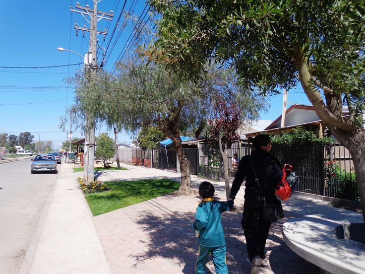 Áreas verdes en barrio Paniahue. Santa Cruz, región de O´Higgins, 2013. Junto a equipo MINVU región de O´Higgins
