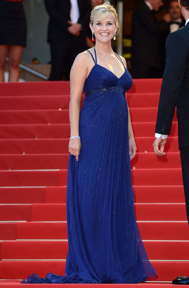 """Pregnant Reese Witherspoon in Versace for the premiere of """"Mud"""", 2012 Cannes International Film Festival"""