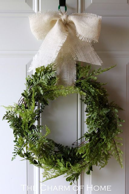 Lovely #DIY fern #wreath tutorial | From the Charm of Home