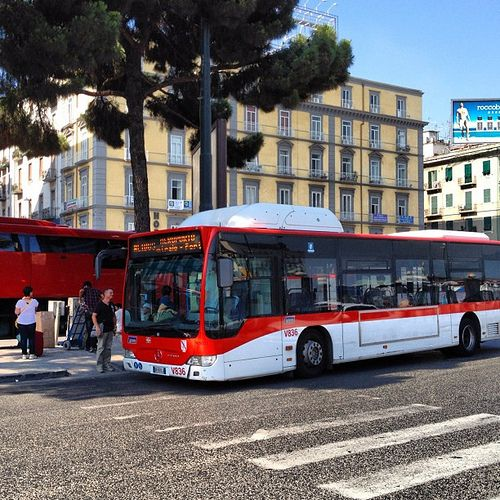 The Naples Alibus Airport Shuttle transports passengers between Naples Capodichino Airport, the Central Train Station and Naples Molo Beverello Port.