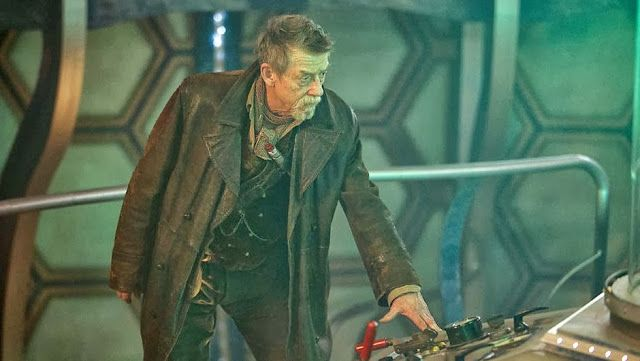 PHOTOS: New Day Of The Doctor Images Released | DAVID TENNANT NEWS UPDATES. (Is that 9's coat on top of 8's outfit???)