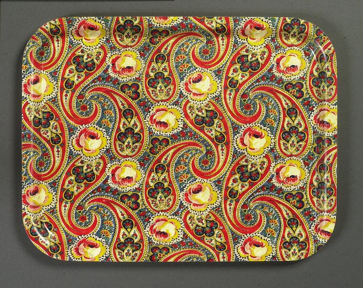 https://flic.kr/p/6jd6ea   TRAY - Original fabric 1920s   FABRIC: Unknown Designer. 1920s. Print on cotton.  A birchwood tray with a protective melamine coating.
