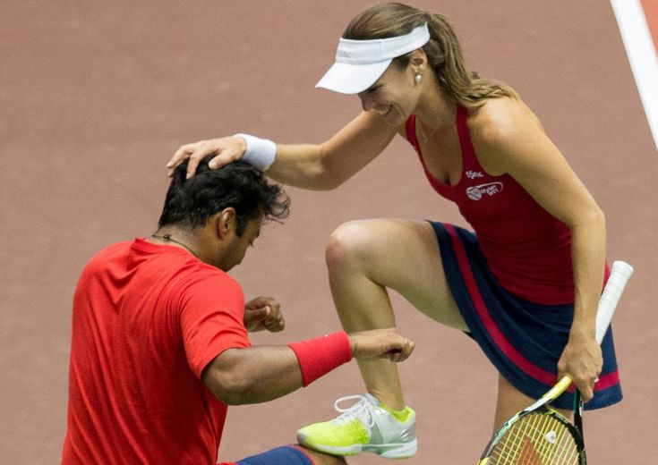Leander Paes and Martina Hingis are teaming up for the first time on tour at the 2015 Australian Open. But Washington Kastles fans have already seen them win their WTT Championship, again~