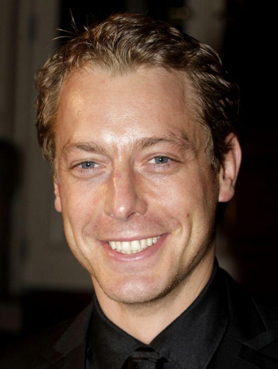 Mark van Eeuwen 23-07-1976 Nederlands acteur, voornamelijk bekend door zijn rol als Jack van Houten in de RTL-soap Goede tijden, slechte tijden, zijn rol als 'Eric' in de Nederlandse speelfilm 'Rendez-Vous' en zijn rol als 'Spike' in de internationale speelfilm 'Kidnapping Mr. Heineken', waar hij naast Sir. Anthony Hopkins een van de hoofdrollen vervulde. https://youtu.be/nyPLoDBEGxA