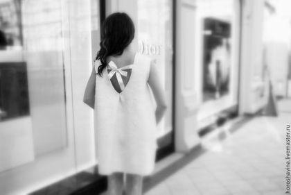 Купить или заказать 'amour' платье в интернет-магазине на Ярмарке Мастеров. Платье любимейшее...наше Воздушное, для торжества и неописуемой нежности. Свободного прямого силуэта с открытой спинкой. Поделюсь одной историей с фотосъемки. Когда мы снимали его, пары проходившие мимо, люди, останавливались и стояли толпой смотрели и улыбались! Ощущение непередаваемое.. Для себя отметила, с удовольствием одену его на свадьбу или другое волшебное торжество.