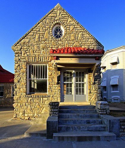 Interesting stone tiny house architecture pinterest for Tiny stone house