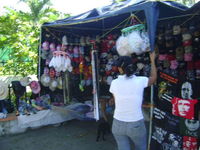 Local business in Cinquera selling spuvenirs, El Salvador... More info at (Spanish): http://es.wikipedia.org/wiki/Cinquera