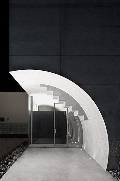 Makiko Tsukada Architects | Tunnel House, 2010 Suginami  Photo by Shinkenchiku-sha