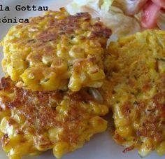 Croquetas de maíz y zanahoria. Receta saludable Ingredientes (para 3 porciones) 2 zanahorias medianas, 2 mazorcas de maíz, 1/3 taza de harina de trigo (integral o común), 2 huevos, 1 cebolla mediana, 3 cucharadas de aceite de oliva, ajo, perejil y sal a gusto.