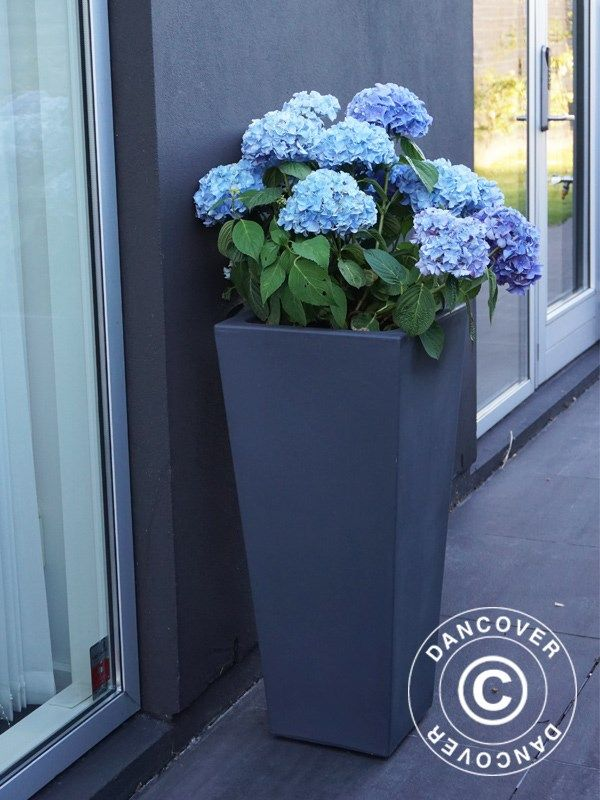 PLANTER NAÏF 36X81 CM, ANTHRACITE Beautiful and modern Italian produced planter in anti-shock, light weight, UV- and weather resistant, recyclable plastic. Realistic ceramic look.