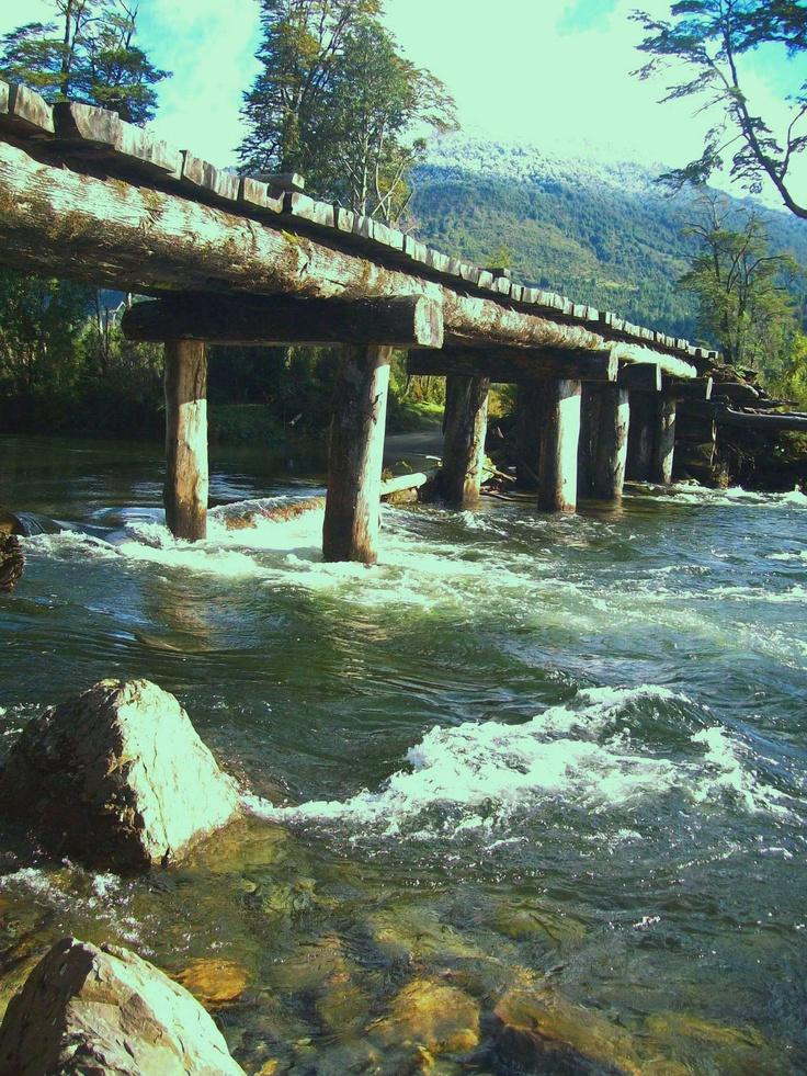 puente sobre Río Risopatrón Sur de Chile