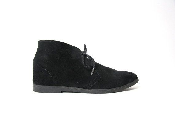 Vnt Black Suede Leather Ankle Boots with Pointed Toe // Grunge Boots // Peter Pan Boots Size 5.5 / 6 US