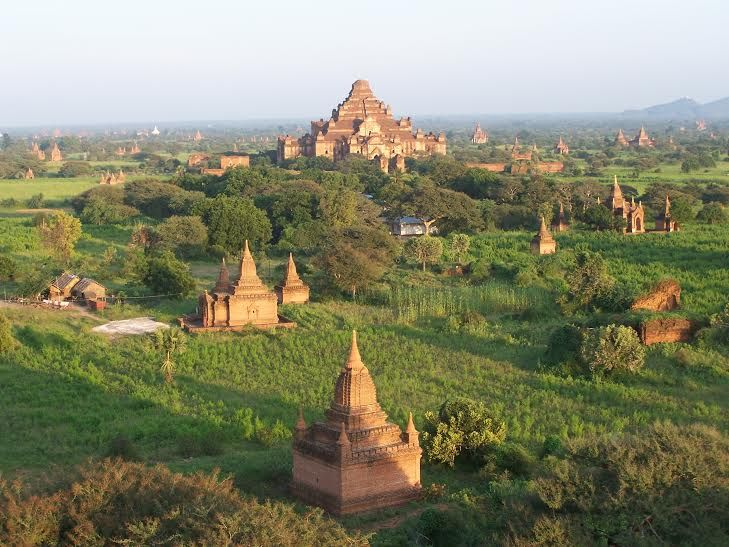 lots of temples at Bagan