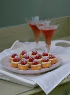 Mini lemon tartlets - sweet canapes