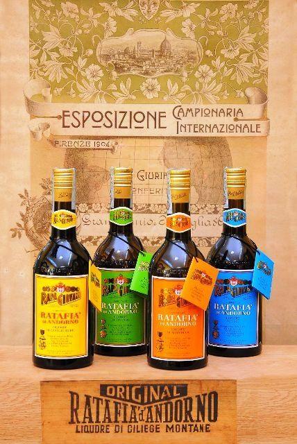 B&R Bevande enoteca Torino - Shop online.  Liquore dolce ottenuto dall'infusione, in contenitori di acciaio, di sciroppo di ciliegie nere con alcool e spezie.
