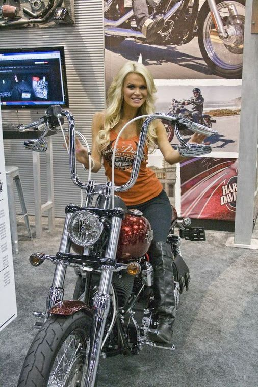 522 best images about motorclycle and woman on pinterest - Pictures of chicks on bikes ...