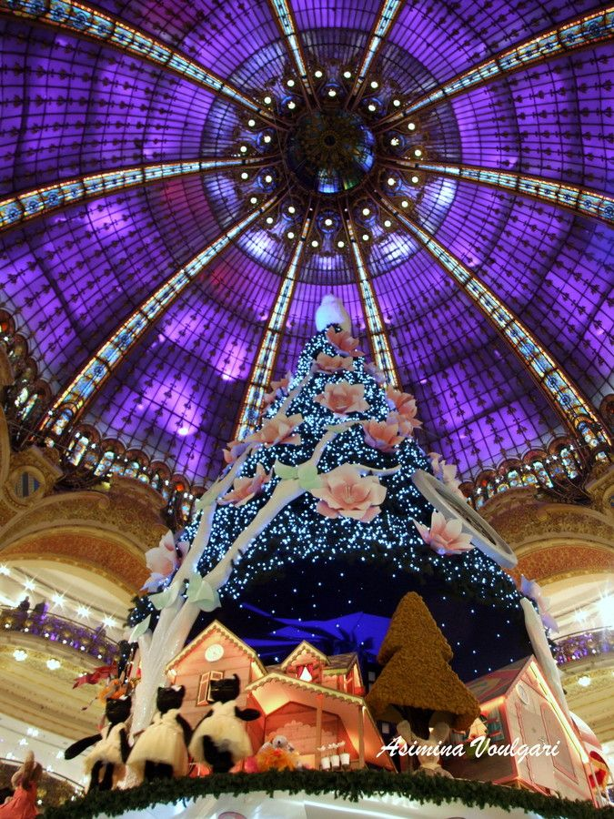 2013 Christmas at Gallery Lafayette, Paris, France