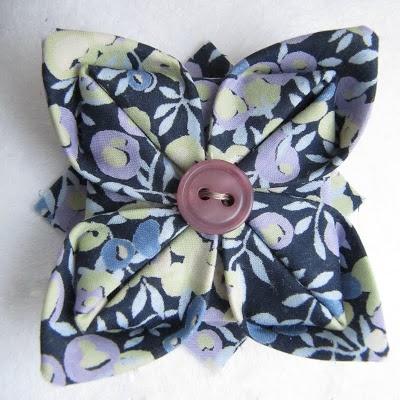 comment faire une broche origami en tissu liberty