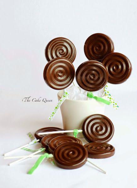 Piruletas de chocolate rellenas