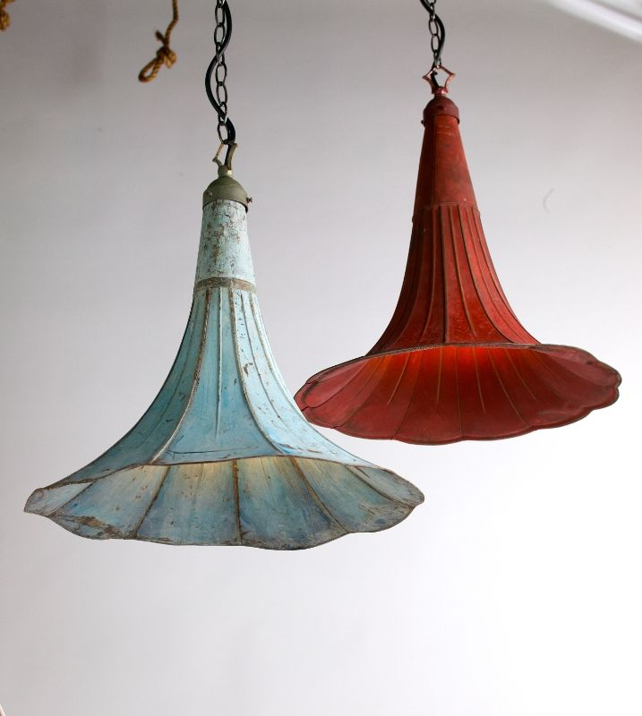 lighting from antique gramophone