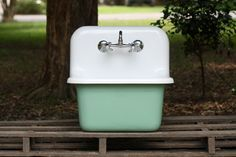 Refinished Arsenic Green Dead Stock Cast Iron Porcelain Wall Mount Deep Basin Farmhouse Utility Sink